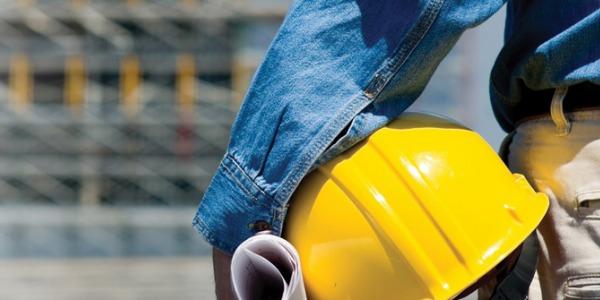 A biztonságos és stabil munkavégzést nyújtó fém állvány